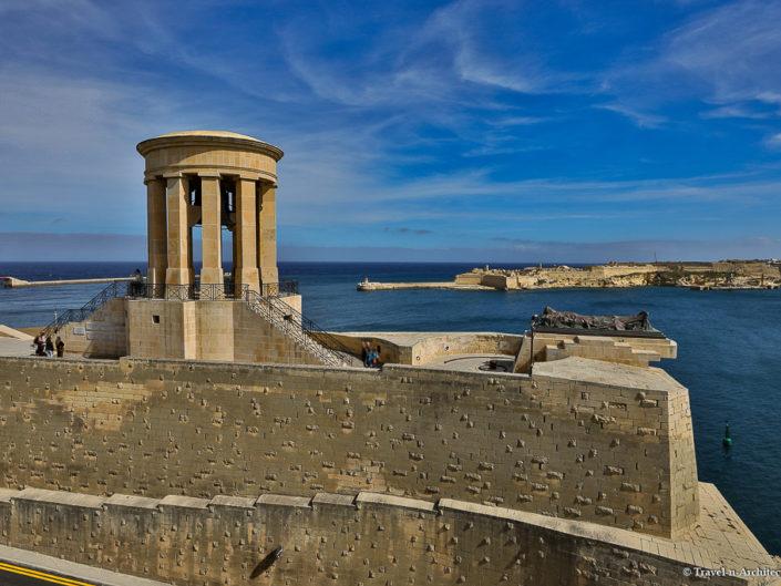 Malta II-Valletta-Siege Bell Memorial