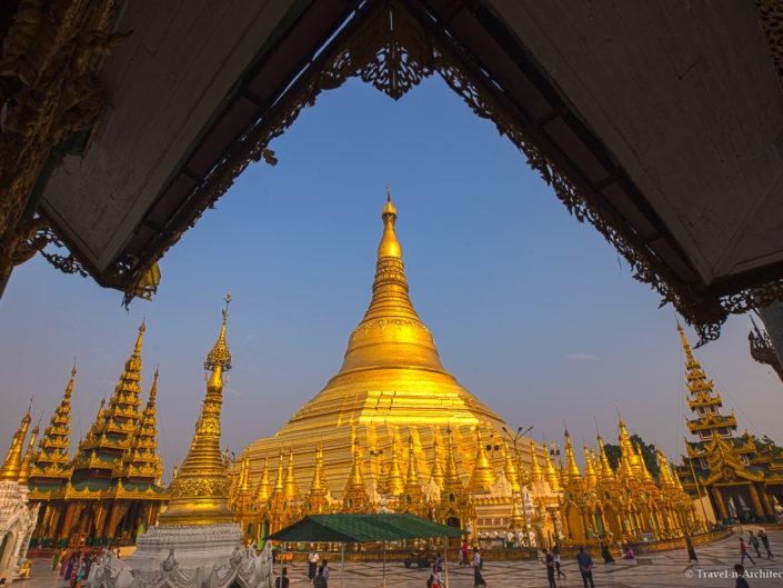 Myanmar – Shwedagon Pagoda – Day